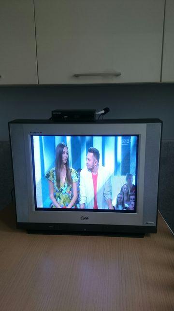 Telewizor Lg FLATRON 21 cali + tuner Wiwa HD95