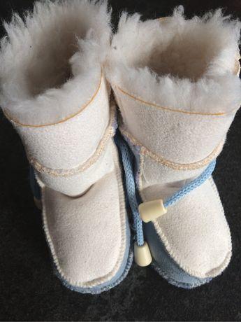 Buciki cieplitkie na zime dla niemowlaka 0-6 msc