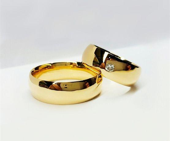 Piękna Para Złotych Obrączek Ślubnych Błyszcząca Cyrkonia