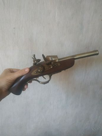 Зажигалка револьвер