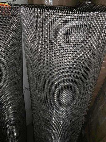 Сітка плетена з чорного метала
