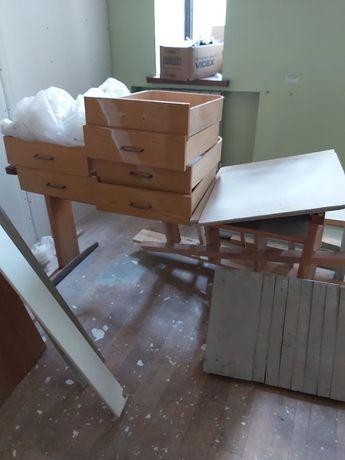 Отдам старую офисную мебель