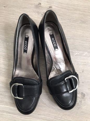 Продам женские туфли ecco 37 р