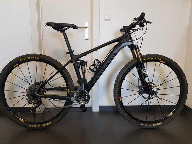 Vende-se bicicleta Canyon LUX CF toda em carbono
