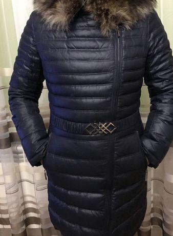 Пуховое пальто (темно синее) с капюшоном