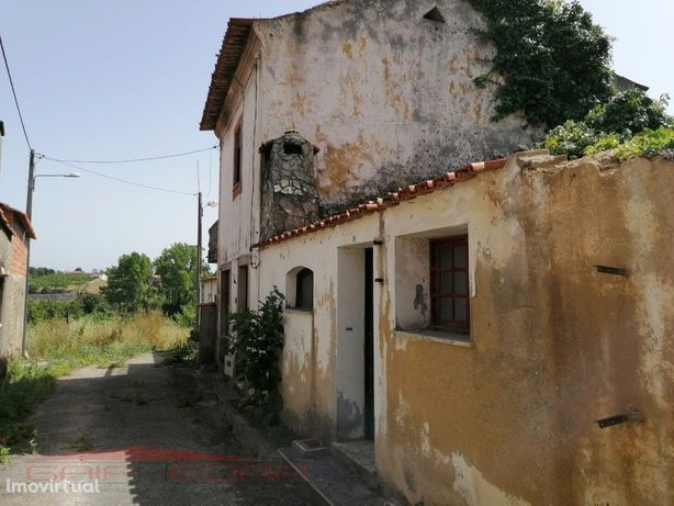 Moradia (2) com terreno Aguada de Baixo Águeda