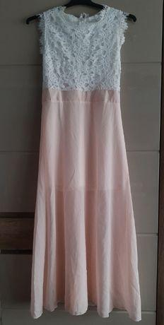 zwiewna sukienka z koronką