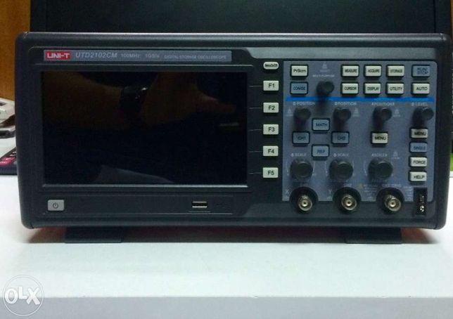 Osciloscópio Digital 2 Canais USB UNI-T 2102CM