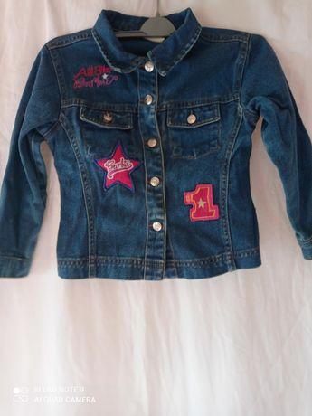 Джинсова курточка на дитину.