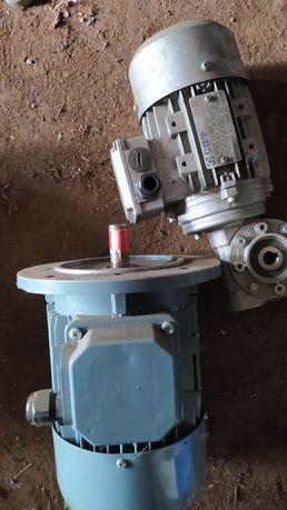 Wyprzedaż garażowa silnik wałek motoreduktor