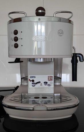 Ciśnieniowy ekspres do kawy DeLonghi