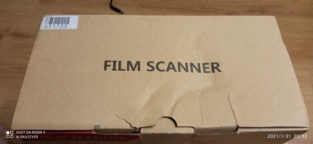 Сканер фотопленок, цветной и чернобелой, 35 мм, слайды тоже