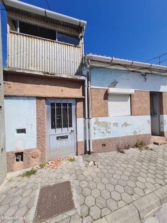 Moradia V3 para Reabilitar em Aveiro