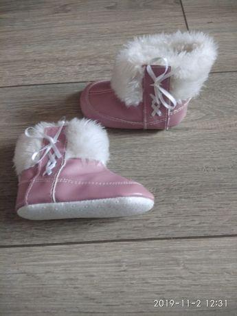 Ботиночки, пинетки, валянки для новорожденных