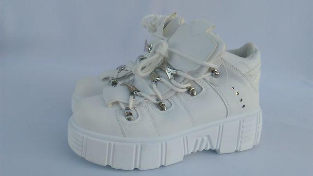 Кроссовки ботинки женские белые