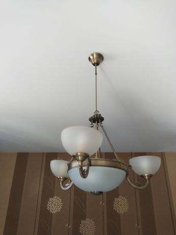 Komplet lamp żyrandol plus dwa kinkiety