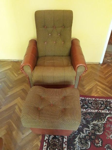 Fotel + podnóżek (2 komplety)