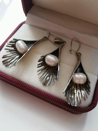 Przepiękny komplet kolczyki i zawieszka srebro próby 925 z perłami!!!