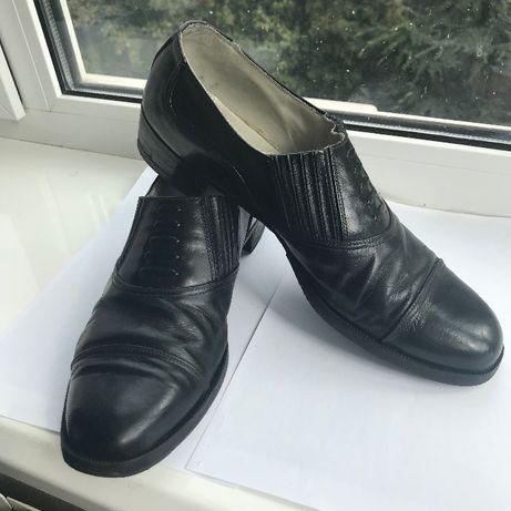 Черные кожаные туфли военного образца