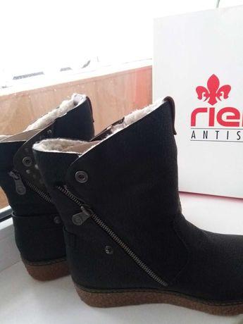 Продаю зимние ботинки  женские на меху/овечья шерсть новые Rieker