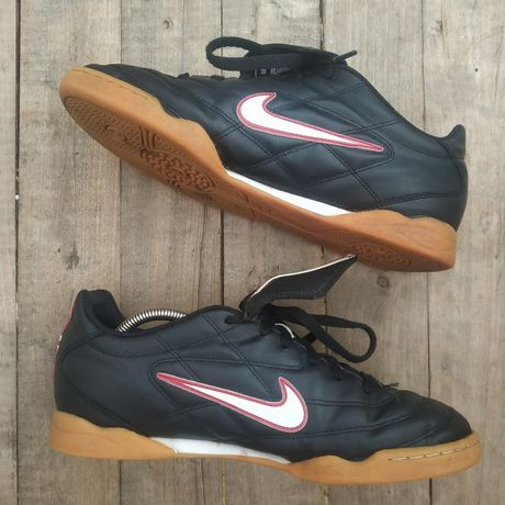 Футзалки (44 28см) копы бампы Nike tiempo 750ll hypervenom