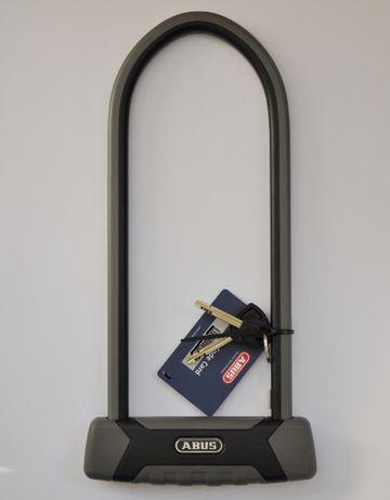 ЧОРНА П'ЯТНИЦЯ - Велозамок ABUS 540 Granit X-Plus 300 мм (U-lock)
