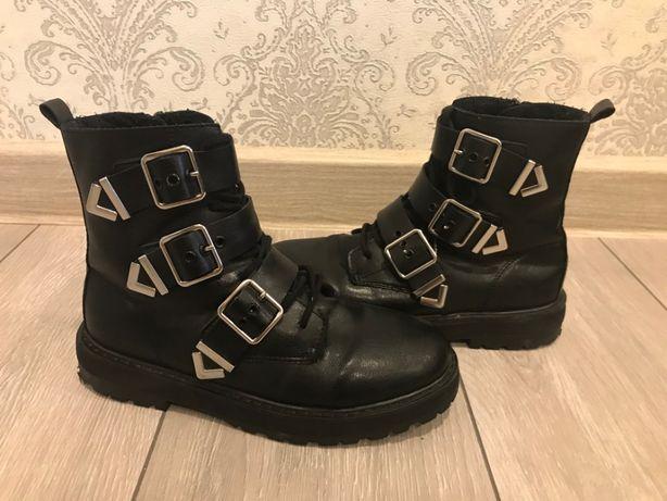 Ботинки ZARA 35 размер для девочки