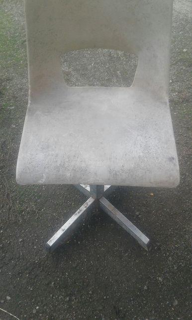 Krzesełko dla dziecka lata PRL-u