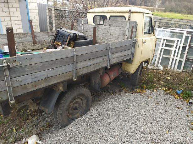 Продам два УАЗа 3303