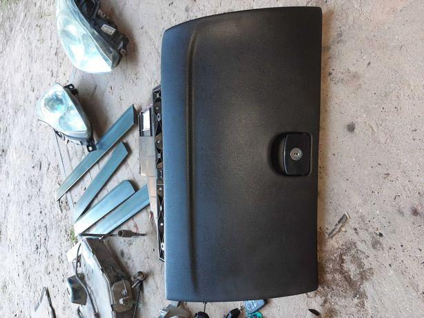 Schowek pasazera peugeot 407 czarny 2006r sprawny