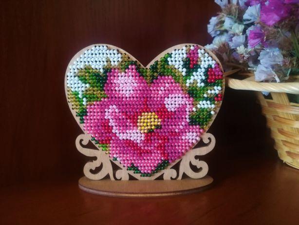 Подарок Сердце. Вышивка бисером на деревянной основе