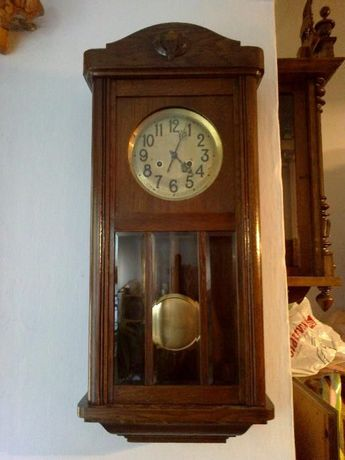 Часы настенные. анткаврные с боем Германия. в Идиале
