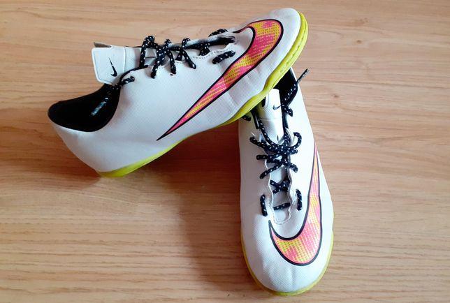 Buty halowe Nike  38.5