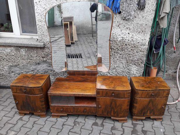 Meble wczesny PRL dwie szafki nocne i toaletka z drewna ewentual Szafa