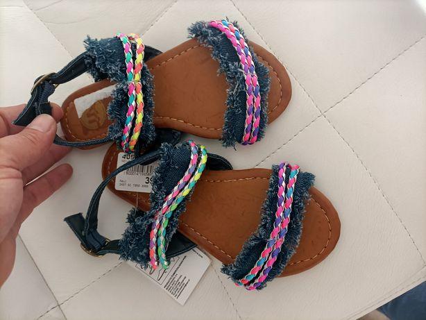Sandálias Tam 29 em caixa