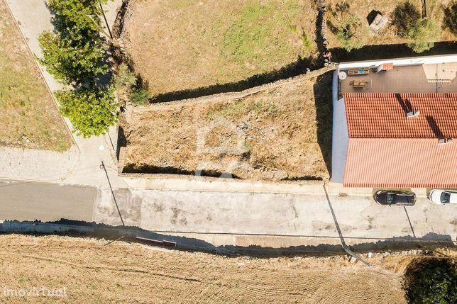 Terreno urbano de 243 m2, para construção de moradia unifamiliar com q