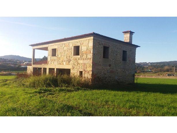 Quinta com 1 Hectare, freguesia de Ucha, concelo de Barce...