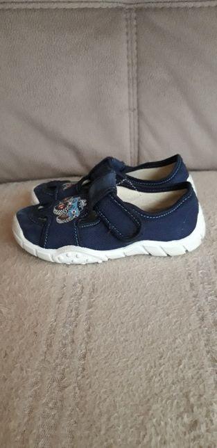 buty kapcie sandały dla chłopca roz.28
