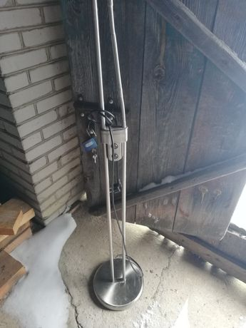 Lampka podłogowa stojąca