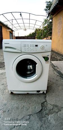Продам стиральную машинк SAMSUNG