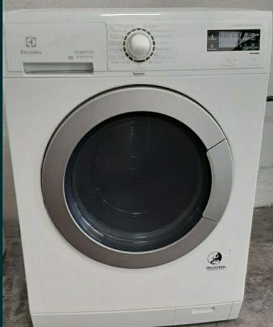 Máquina de lavar e secar roupa  Electrolux 10kg /6kg