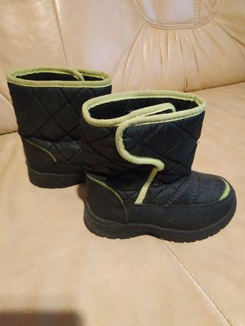 Buty chłopięce 28 śniegowce zimowe