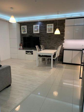Mieszkanie prywatne, 3 pokoje, 2 łazienki + garaż. Wysoki standard