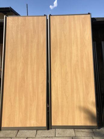 Drzwi szafy przesuwnej