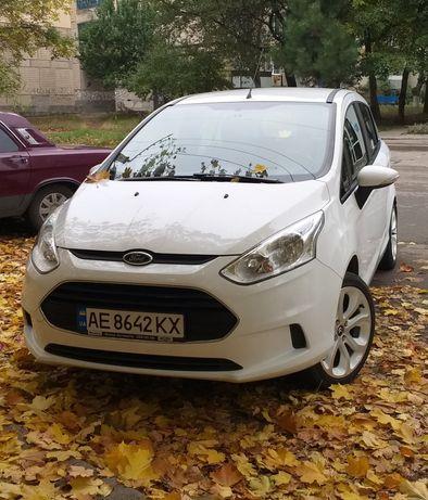 Ford B-max. 2013