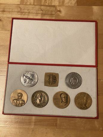 Medale Komplet Medali Wojskowych w etui. Mennica Państwowa