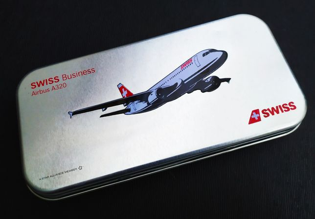 Авиационный футляр бизнес класс Swiss самолет Airbus A320 авиакомпания