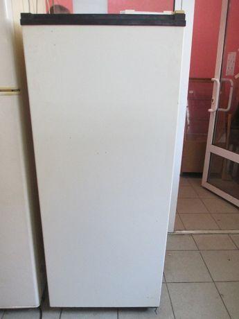 Продам холодильник ДОНБАС 10 Е в хорошем робочем состоянии