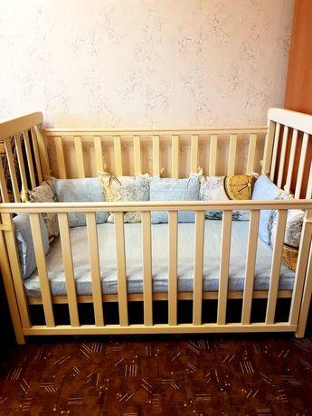 Продам набор бортиков-подушек, защиту для кроватки