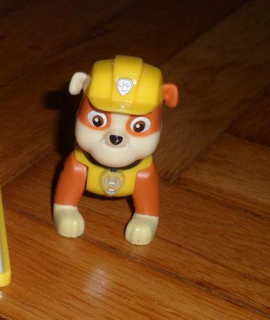 Rubble Psi Patrol figurka Skaczaca
